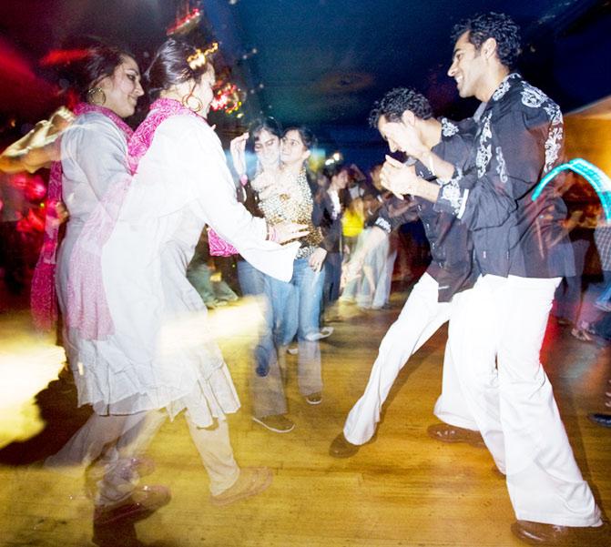 andaz anjali dancing